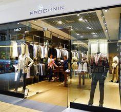 Zrealizowane w nowym koncepcie pierwsze salony marki zostały otwarte w warszawskich centrach handlowych Blue City oraz w Atrium Targówek.