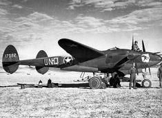 Lockheed P-38 F, con matrícula 17582 UN-Q del 94a FS/1st FG (94° del 1° Fighter Group) . África del Norte, 1942. Nótese lo improvisado de las letras UN-Q.