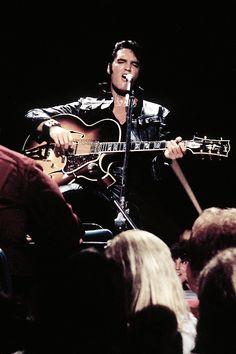☜(◕¨◕)☞ Elvis Comeback Special King Elvis Presley, Elvis Presley Family, Elvis And Priscilla, Elvis Presley Photos, Priscilla Presley, Lisa Marie Presley, Rock Roll, Mississippi, Elvis 68 Comeback Special