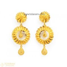 Indian Gold Jewellery Design, Gold Temple Jewellery, Antique Jewellery Designs, Indian Jewelry Sets, Gold Wedding Jewelry, Gold Jewelry, Chand Bali Earrings Gold, Gold Chandelier Earrings, Gold Drop Earrings