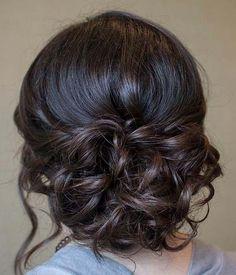 Como todas bien sabemos, elegir un peinado a la hora de ir a una fiesta, es realmente un problema, puesto que lleva tiempo elegir el adecuado. Debemos tener en cuenta nuestro rostro, el largo del…