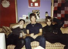 Liam and Noel Oasis Brothers, Liam Gallagher Noel Gallagher, Oasis Music, Liam And Noel, Oasis Band, Britpop, Dance Photos, Rare Pictures, Indie Kids