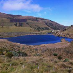 La Laguna Negra en el Nevado del Ruiz - Manizales, Colombia