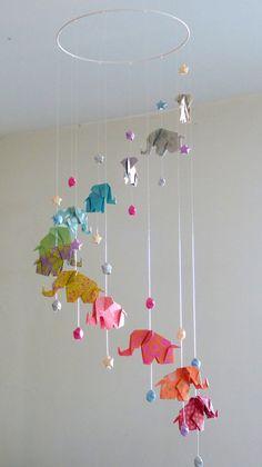 Mobile bébé origami Eléphants et Etoiles