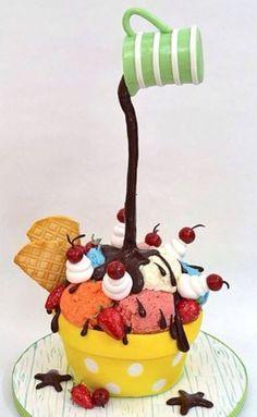 Le gravity cake arrive en France, renommé Gâteau suspendu.