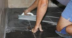 Refaire un joint de carrelage : http://www.travauxbricolage.fr/travaux-interieurs/revetements-sol/refaire-joint-carrelage/