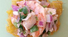 Ensalada de camarones y carrucho Por Andy Tous para RecetasPuertoRico.com  Ingredientes  1 libra de camarones grandes (crudos y pelados) 1 ½ libra de carrucho hervido (cortado en trocit