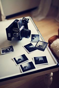 Vintage polaroid camera that takes black and white instant photos Old Cameras, Vintage Cameras, Polaroid Cameras, Digital Cameras, Photography Camera, Photography Tips, Classic Photography, Pregnancy Photography, Vintage Photography