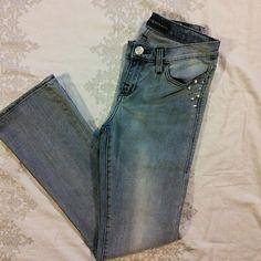"Rock & Republic Kasandra  Studded Jeans Jeans 6M 98% cotton , 2% spandex. 31"" inseam, 14"" waist. Embellished back pockets. Rock & Republic Jeans Boot Cut"