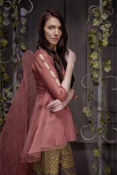 Designer Dresses Sale up to off Pakistani Formal Dresses, Nikkah Dress, Pakistani Dress Design, Pakistani Outfits, Sleeves Designs For Dresses, Dress Neck Designs, Sleeve Designs, Frock Fashion, Fasion