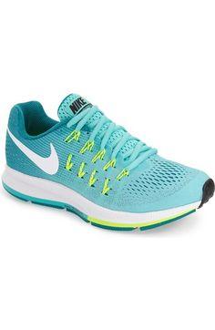 Nike 'Zoom Pegasus 33' Sneaker in Hyper Turquoise