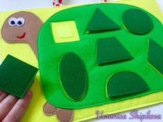 shapes for quiet book Diy Quiet Books, Baby Quiet Book, Felt Quiet Books, Quiet Book Templates, Quiet Book Patterns, Toddler Learning Activities, Book Activities, Summer Activities, Baby Crafts