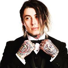 RT OkayI thought life was crazy touring on my first busgoing to prison but my daughter going to school with fans of my band? new level. Falling In Reverse, Emo Bands, Music Bands, Billy Talent, Bad Girls Club, Andy Black, Of Mice And Men, Kellin Quinn, Emo Scene