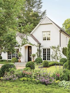 Best Yard on the Block Style At Home, Future House, White Brick Houses, Plans Architecture, Classical Architecture, Dream House Exterior, Cottage Homes, Home Fashion, Fashion Outfits
