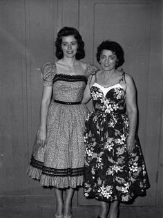 June Carter & Mother Maybelle Carter 50s sundress floral vintage fashion style full skirt