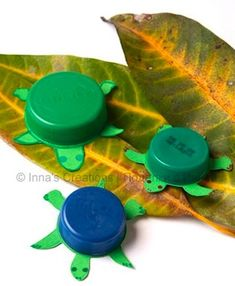 some great ideas of different crafty ways you can recycling plastic lids; found at Inna's Creations