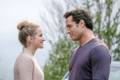 Love Blossoms - Perfumer Violet is desperate to formulate her late father's unfinished signature scent. Under great pressure to finish by Valentine's Day, Violet hires an inexperienced botanist with an uncanny ability to identify scents. It's not long before their professional relationship turns romantic, threatening their deadline and feelings for each other. Stars Shantel VanSanten and Victor Webster