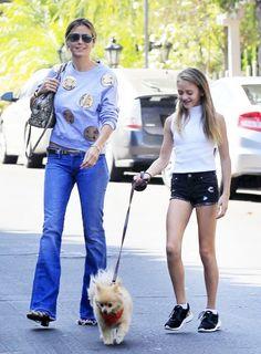 Heidi Klum takes her daughter Leni to Starbucks on October 2, 2016