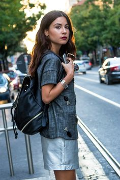 Waiting for the bus #MFW | Valentina Marzullo