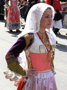 026-Costumi tradizionali dei comuni della Sardegna