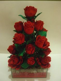 Nylon Flowers, Beaded Flowers, Paper Flowers, Crochet Flower Patterns, Crochet Flowers, Paper Flower Centerpieces, Cute Drawings, Wood Crafts, Floral Arrangements
