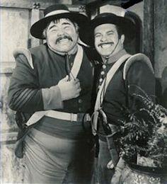 Zorro Sargento Garcia (Henry Calvin) e Cabo Reyes (Don Diamond) Disney para TV. Photo Vintage, Vintage Tv, Poster Vintage, Sargento Garcia, Tv Westerns, Old Shows, Tv Episodes, Film Serie, Classic Tv