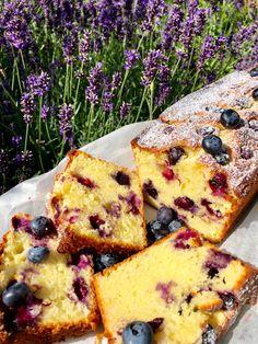 Heidelbeeren-Topfen-Zitrone (Ober- Unterhitze) Baking Recipes, Cake Recipes, Dessert Recipes, Food Cakes, Cupcake Cakes, Gateaux Cake, Sweet Bakery, My Dessert, Healthy Cake