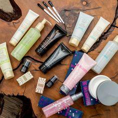 ¡Sorpresa, hermosas! Ya están aquí los productos que te harán brillar de la cabeza a los pies. ¿Verdad que están sensacionales! ¿Cuáles quieres? Inspirate en mi tienda en línea www.marykay.com/siria.baez #MyMKLife