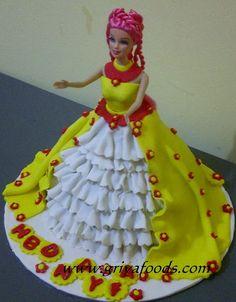GriYa Foods: Cara Menghias Kue Ulang Tahun Berbentuk Barbie. www.griyafoods.com Kue Hello Kitty, Birday Cake, Barbie Cake, Fondant, Disney Princess, Birthday, Birthdays, Gum Paste, Disney Princesses