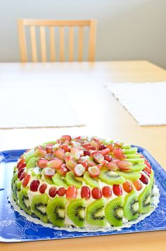 Retro Mothers Day Cake - Scandi Home Sweet Recipes, Cake Recipes, Dessert Recipes, Fruit Sponge Cake, Delicious Desserts, Yummy Food, Scandi Home, Mothers Day Cake, Scandinavian Food