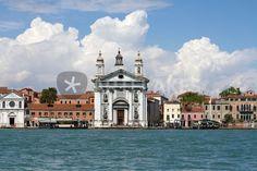"""venetian promenade"" von Bernd Hoyen #fotografie #photography #fotokunst #photoart #stadt #städte #city #cities #panorama #skyline #blau #blue #urban #stadtlandschaft #stadtlandschaften #cityscape #cityscapes #italien #italy #venedig #venice"
