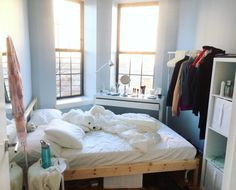 "vomits: "" my new room is literally heaven in the morning """