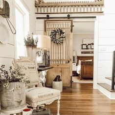 "Nowadays, more and more people are utilizing the ""shabby chic"" approach to interior design and decoration. Shabby Chic Homes, Shabby Chic Decor, Vintage Home Decor, Home Buying Tips, Country Farmhouse Decor, Farmhouse Style, Country Chic Decor, Country Style Homes, Home Improvement Projects"
