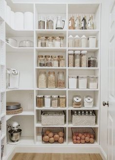 pantry organization ideas - simple modern kitchen design inspiration for the hom. - pantry organization ideas – simple modern kitchen design inspiration for the home Best Picture Fo - Kitchen Pantry Design, Modern Kitchen Design, Home Decor Kitchen, Home Kitchens, Diy Home Decor, Kitchen Hacks, Diy Kitchen, Kitchen Layout, Kitchen Cabinets
