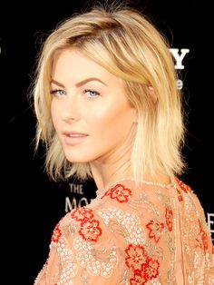 Julianne Hough bob with beachy texture and a messy part. For makeup she kept it light and romantic with sheer shades and glowing skin