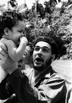 Che Guevara and Fidel Castro Photographs Robert Doisneau, Robert Frank, Power Trip, Che Guevara Photos, Che Quevara, Pop Art Bilder, Weegee, Pablo Emilio Escobar, Viva Cuba