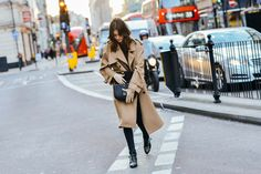 Leila Yavari - Tommy Ton Shoots the Best Street Style at the Fall Shows Cool Street Fashion, Street Chic, Look Fashion, Street Style, Fall Fashion, Trench Coat Outfit, Trench Coats, Fall Winter Outfits, Autumn Winter Fashion