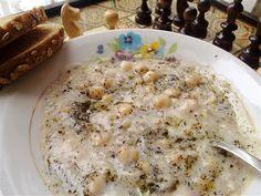 Toyga çorbası 6 Kişilik Malzeme listesi 3\1 su bardağı nohut 2\1 su bardağı dövme 5 su bardağı su 4 yemek kaşığı terayağı veya margarin 3 yemek kaşığı un 5 su bardağı yoğurt 2 tatlı kaşığı tuz 1 ye…
