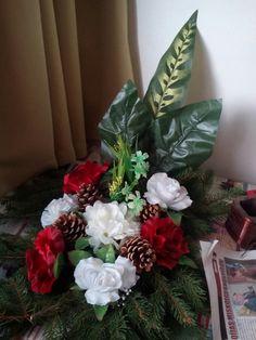Christmas Wreaths, Holiday Decor, Plants, Home Decor, Christmas Swags, Homemade Home Decor, Holiday Burlap Wreath, Plant, Interior Design