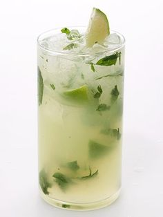 Low Calorie Mojito - Love Mojitos, cant wait for summer at the lake to have a couple of these. Reminds me of Mexico!!