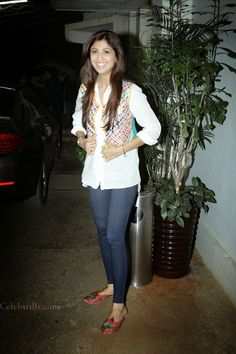 celebstills: Shilpa Shetty Looks Hot