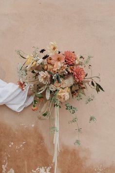 mariage bohème décoration fleurs bouquet de la mariée