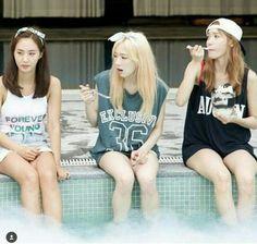 Sooyoung, Yoona, Snsd, Girls' Generation Taeyeon, Girls Generation, Taeyeon Jessica, Shoujo, Summary, Yuri