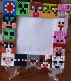 1 display stand Hama Beads X 2,000 assorted colours
