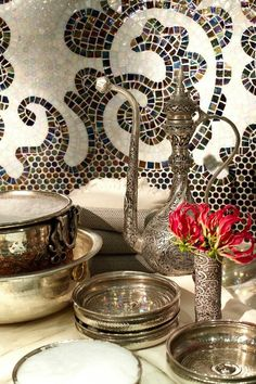 Moroccan decor elements - I like the ornate metal