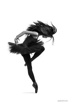 500px / Photo Black ballerina by Alexander Yakovlev