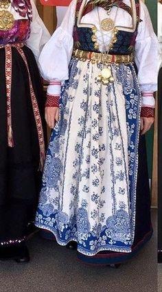 Aust Agder bunad / åmlibunad | FINN.no Folk Costume, Costumes, Sewing Hacks, Sewing Tips, Traditional Dresses, Norway, Scandinavian, Celebs, Clothes