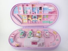 21 Polly Pocket Sets That Will Give Every Kid Intense Nostalgia 90s Toys, Retro Toys, Vintage Toys, Make School, School Sets, 90s Childhood, Childhood Memories, Polly Pocket World, Old School Toys