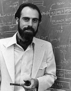 Vint Cerf, um dos criadores da tecnologia que permitiu a Internet, argumenta que não podem ser só os Governos a determinar o futuro da Internet..o melhor artigo de sempre, leia..