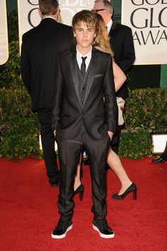 Justin Bieber, 2011 Golden Globes. Suit: Dolce and Gabbana